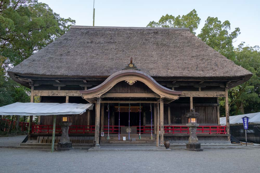 国宝の一つ「拝殿」