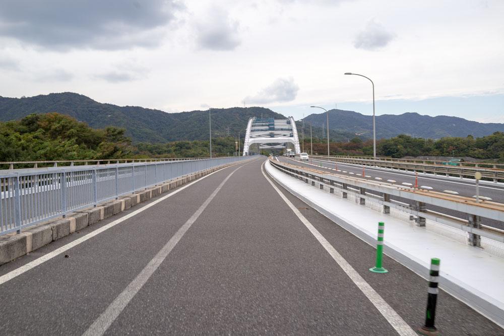 大三島橋を走る